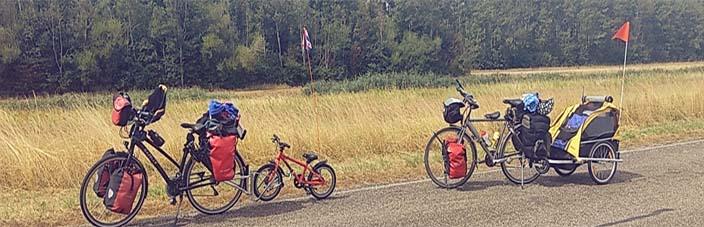 banner fietsen bepakt